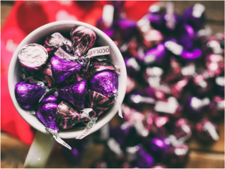 Select Hershey Kisses are gluten free.